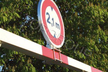 Zestaw do montażu znaku drogowego – TopArchitektura.pl