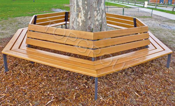Silaos ławka wokół drzewa